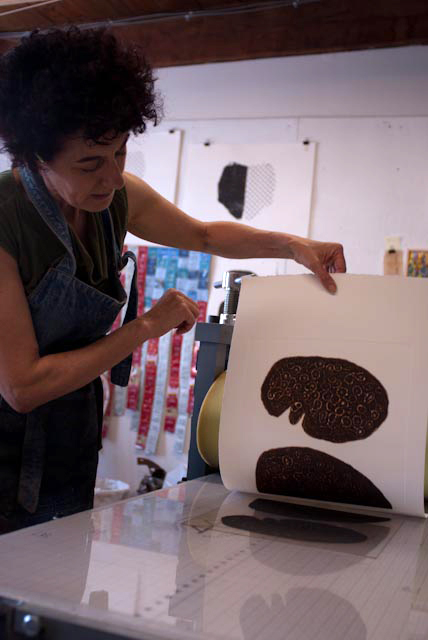 Christiane Corcelle pulling a print – photo by Michael Seif